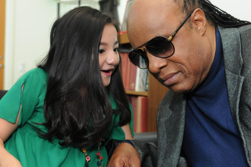 United Nations Messenger of Peace Stevie Wonder met with UNICEF advocate and Vietnamese performer Nguyen Phuong Anh to push for greater inclusion for children with disabilities. Photo: ©UNICEF/Markisz