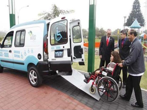 Accessible taxi (Photo credit: Municipalidad de San Borja)