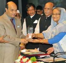 prime minister sheikh hasina gives certificate crest to vashkar bhattacharjee