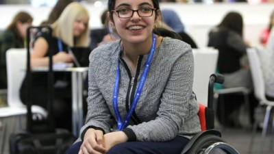 Nujeen Mustafa, a 20 year old Syrian with cerebral palsy, seen in 2016 in Frankfurt, Germany, where she traveled in a wheelchair with her family AFP/File
