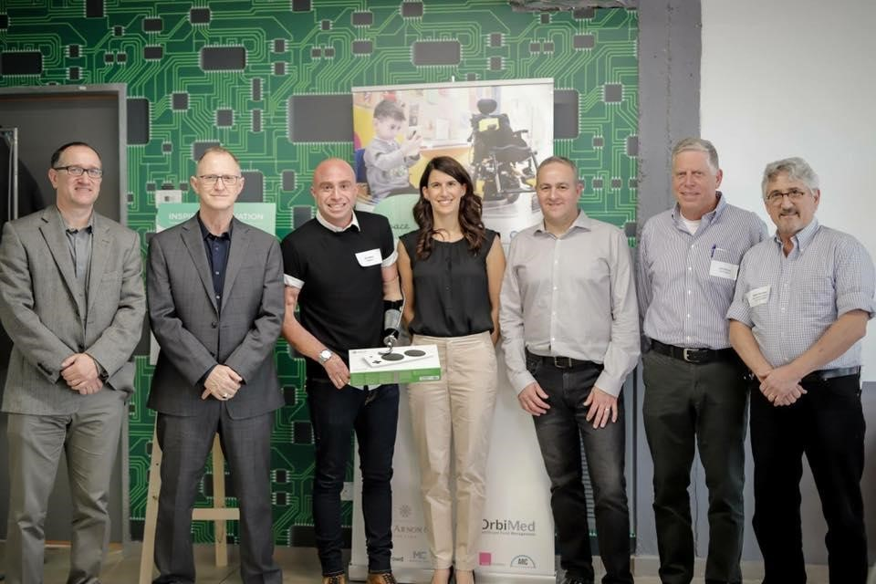 From left to right: Robert Felgar (CEO at RAZ Mobility), Moshe Gaon (CEO at Yoocan Technologies), Captain Ziv Shilon, Danna Hochstein Mann (Director at ALYNnovation), Yaron Galitzky (General Manager of Devices & Accessories at Microsoft), Zvi Ginosar (Chairman of the Board at ALYN Hospital) & Mark Sherman
